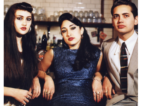 Kitty, Daisy & Lewis (D)